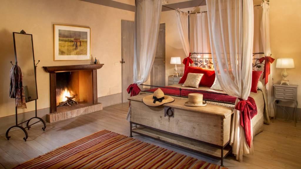 The-Inn-Apartments-Roma-Villa-Casanuova-ToscanaFirst-Floor-Master-Bedroom2
