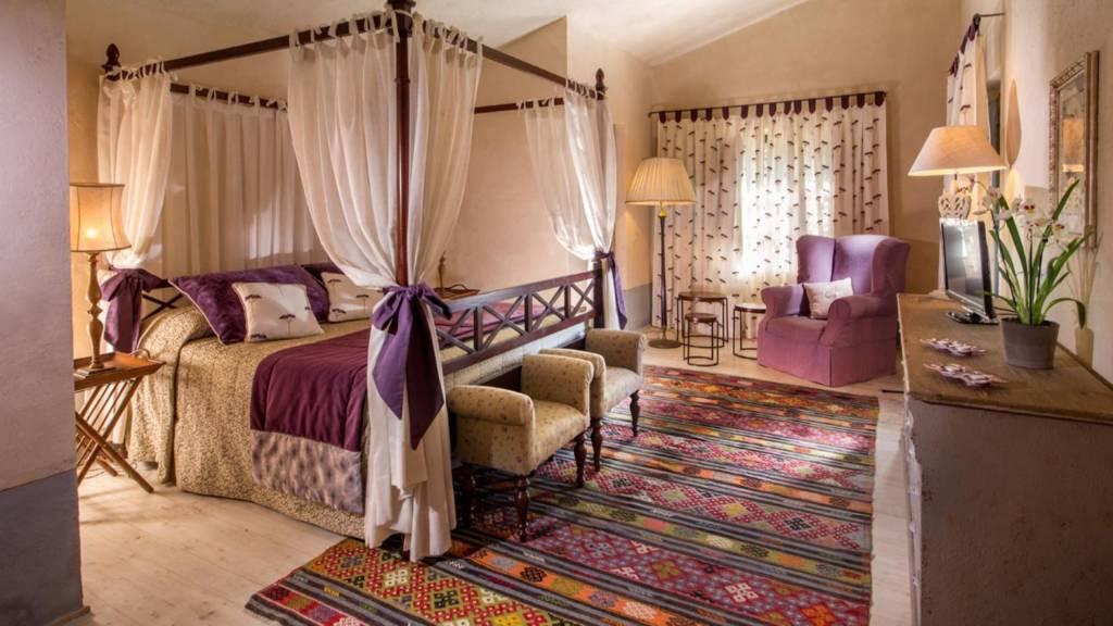 The-Inn-Apartments-Roma-Villa-Casanuova-ToscanaGroundFloor-Master-Bedroom