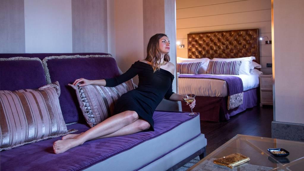honeymoon-suite-50