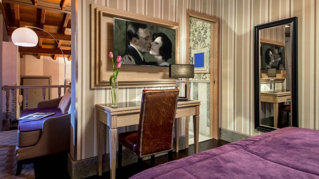honeymoon-suite-71