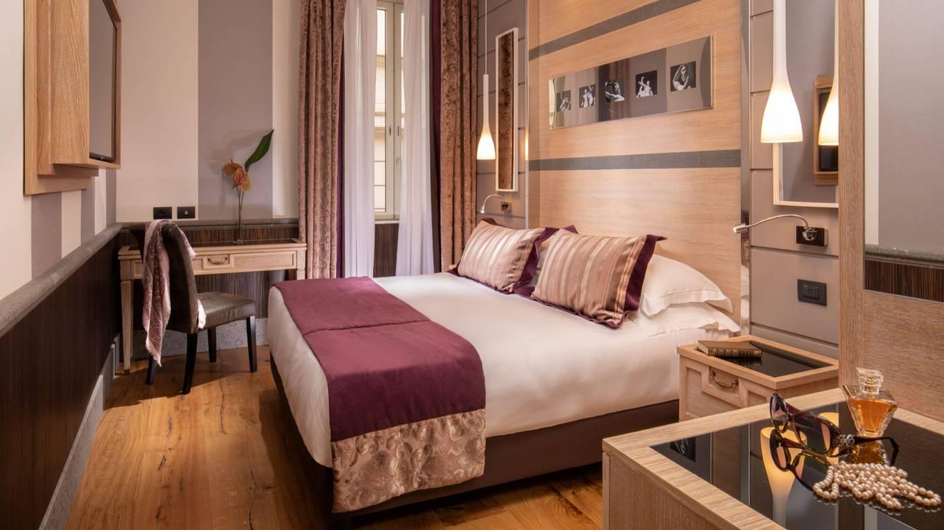 The-inn-apartments-roma-townhouse-mario-de-fiori-00501