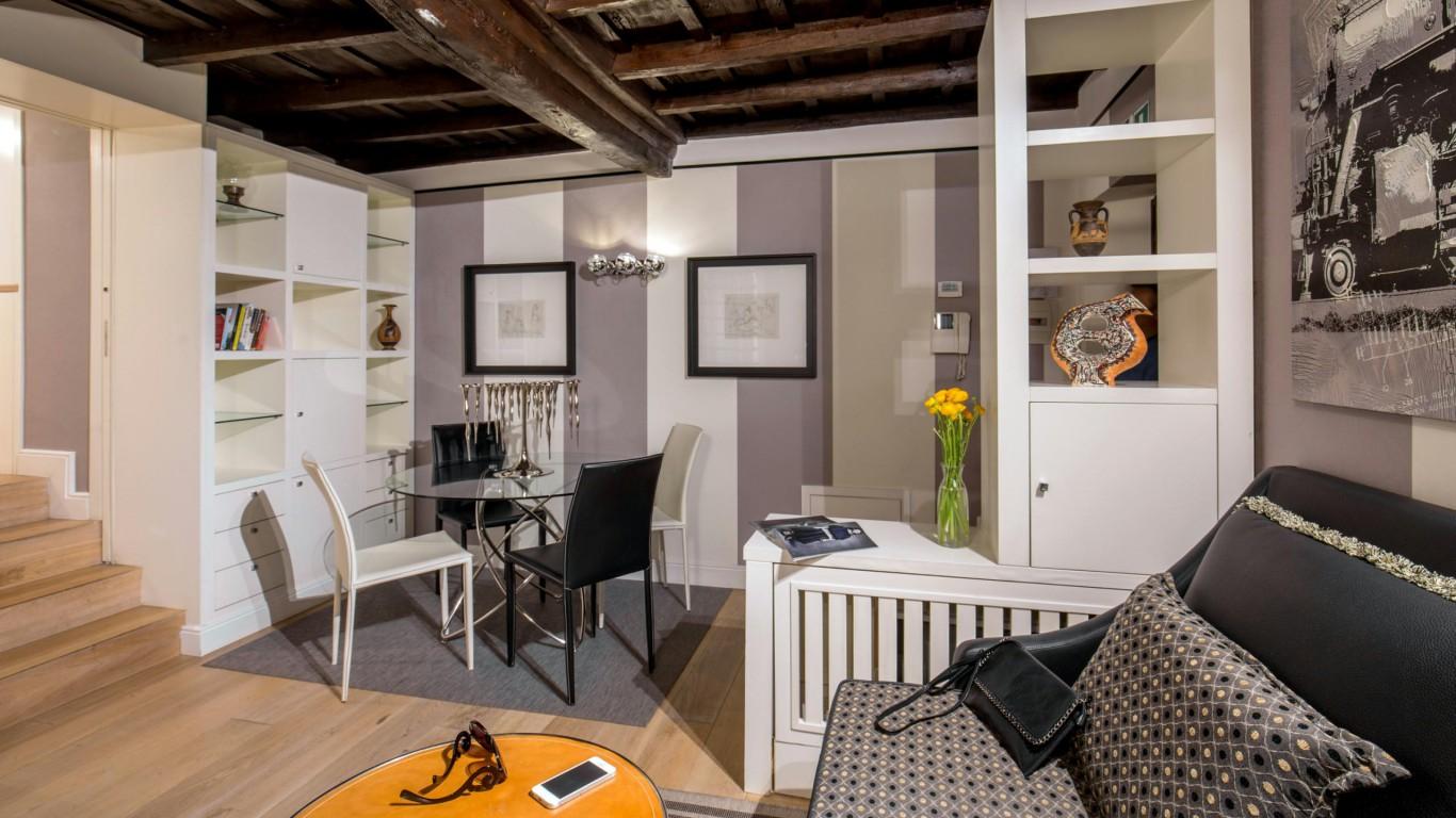 studio-room-apartment-roman-forum-rome-13