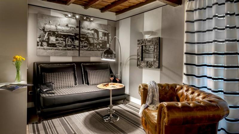 studio-room-apartment-roman-forum-rome-09