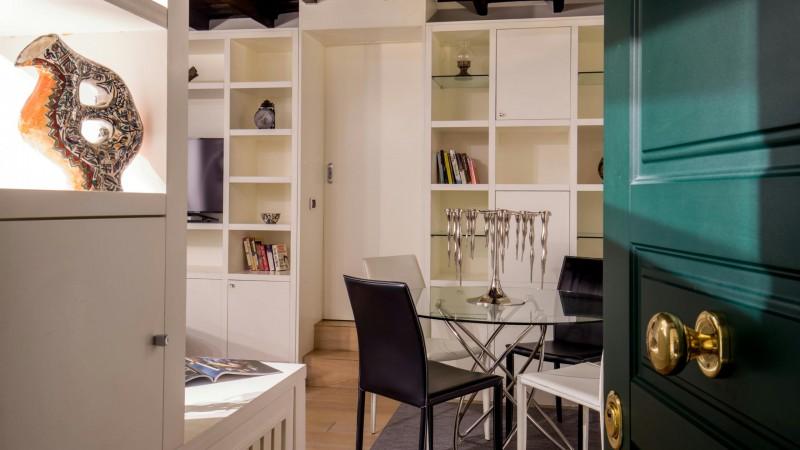 studio-room-apartment-roman-forum-rome-10